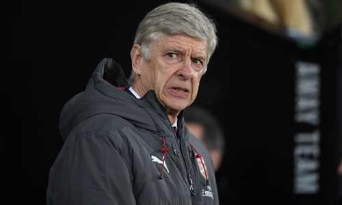 Wenger nổi đóa, nói hàng phòng ngự của Arsenal đang có những sai lầm bất thường