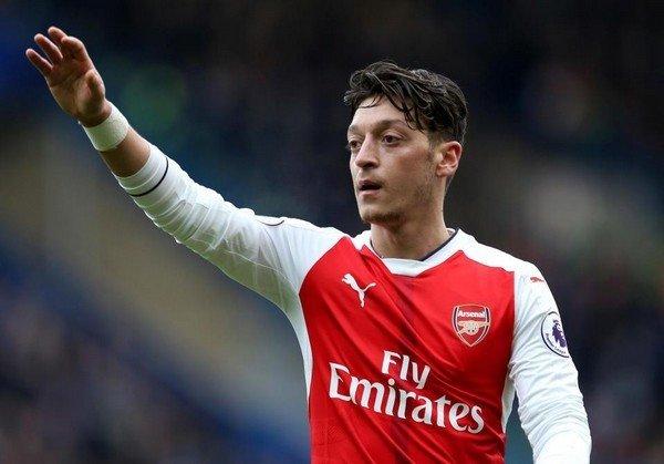 Sự vắng mặt của Mesut Ozil là một tổn thất lớn với Arsenal, làm ảnh hưởng đến sự sáng tạo trong các đường tấn công của đội bóng