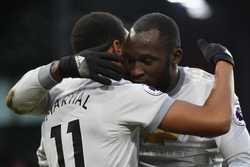 Martial tỏa sáng, Man Utd thu ngắn cách biệt với Man City