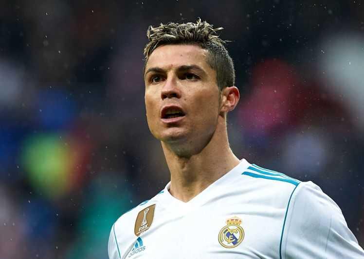 Florentino Perez hoàn toàn nghiêm túc về việc bán Ronaldo, mua Neymar. Zaha có thể thi đấu cho Liverpool