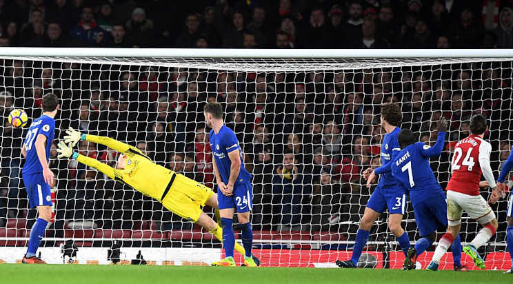 Arsenal chia điểm Chelsea sau màn rượt đuổi kịch tính