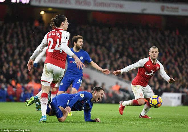 Arsenal và Chelsea đã hòa 2-2 tại Premier League