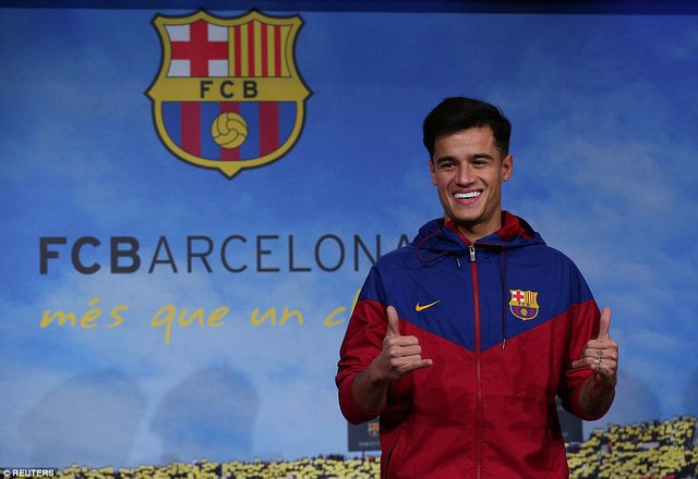 Coutinho rạng rỡ ra mắt CLB mới
