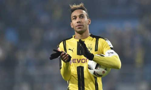HLV Wenger làm Dortmund nóng mặt vì khen Aubameyang