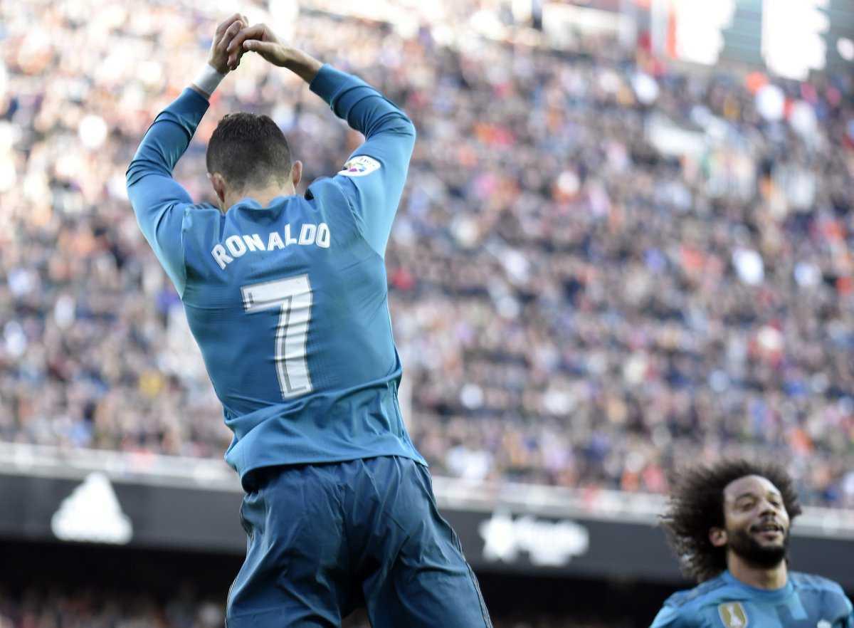 Ronaldo lập cú đúp, Real đè bẹp Valencia ngay tại Mestalla