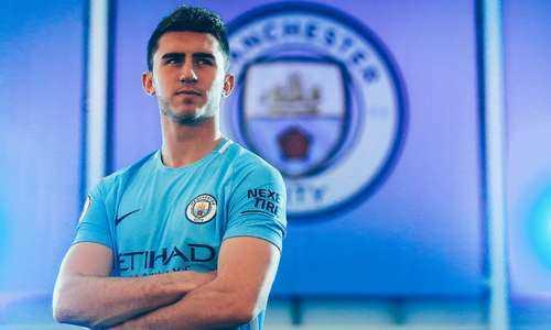 Man City mua mua trung vệ mới, thiết lập kỷ lục chuyển nhượng
