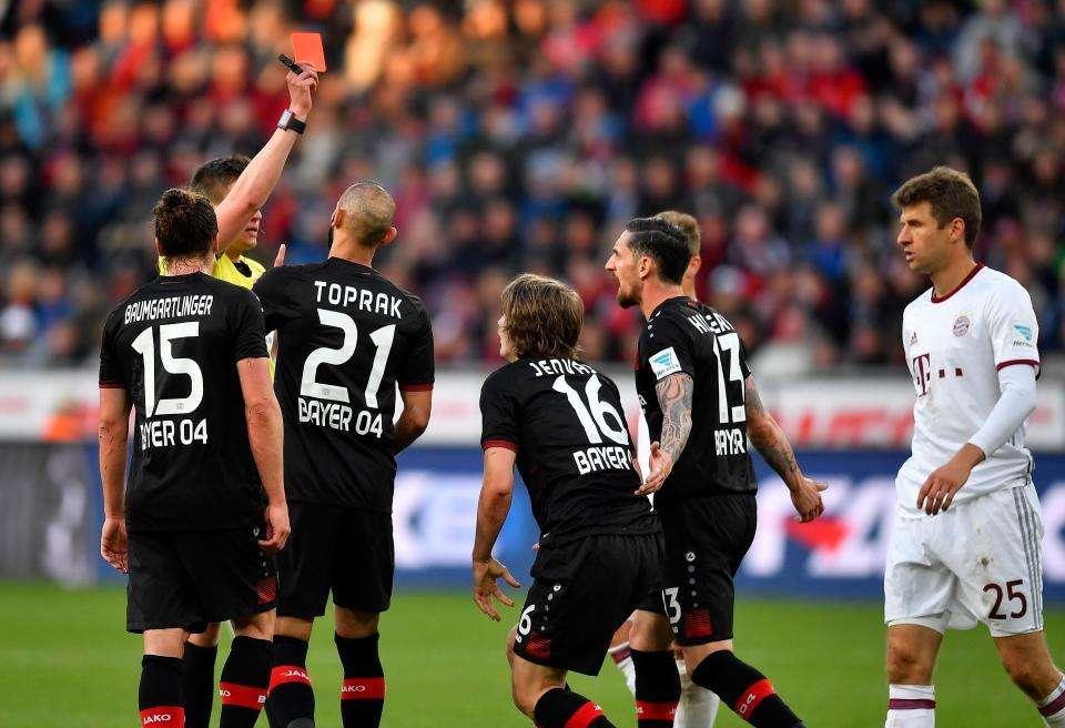 Bayern thường gặp khó trên sân Leverkusen những năm gần đây
