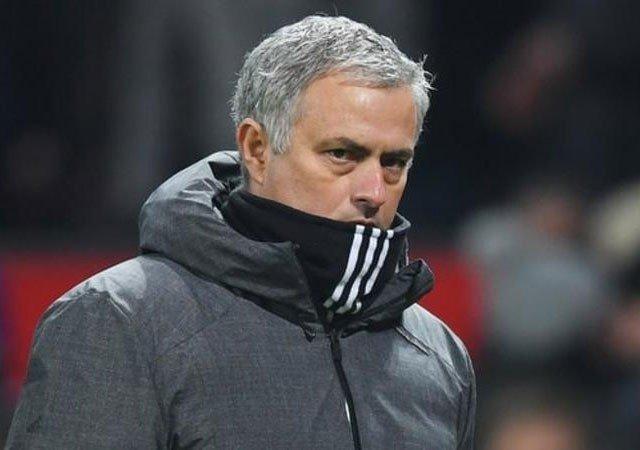 Mourinho đang cần MU thi đấu tốt hơn