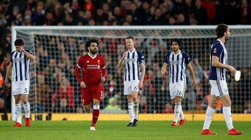 Salah ghi bàn rút ngắn tỷ số xuống 2-3 vào lưới West Brom.