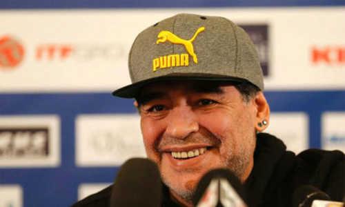 Diego Maradona phản ứng lại khi Ronaldo tự nhận mình là cầu thủ hay nhất lịch sử