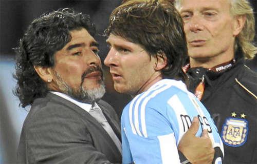 Maradona và Messi đều là những thiên tài của bóng đá Argentina