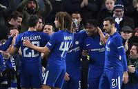 Morata và Pedro bị đuổi, Chelsea vất vả vượt qua Norwich