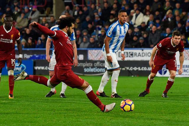 Salah thực hiện thành công quả đá phạt 11m ấn định chiến thắng