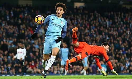 Sane được Pep Guardiola khuyên chơi như Messi