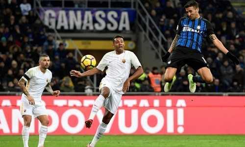 Inter và Roma chia điểm, kìm chân nhau ở nhóm đầu Serie A