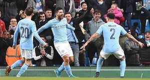 Aguero tỏa sáng, Man City vất vả thoát trận hòa muối mặt