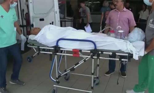 Warley nhập viện trong tình trạng nguy kịch