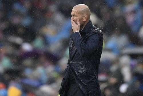 Dù muốn hay không, Zidane cũng cần phải thay đổi nếu như không muốn Real tiếp tục trượt ngã