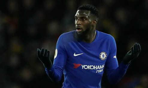 Chelsea lần đầu tiên nhận hai thất bại liên tiếp với khoảng cách ba bàn kể từ năm 1995