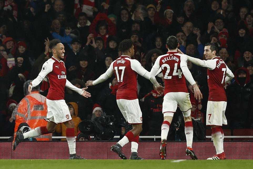 Aubameyang nổ súng, Arsenal đại thắng trên sân nhà