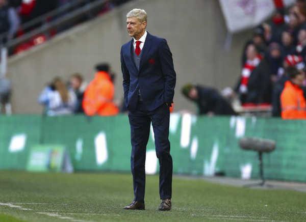 Arsenal nghiêm túc tính chuyện sa thải Arsène Wenger