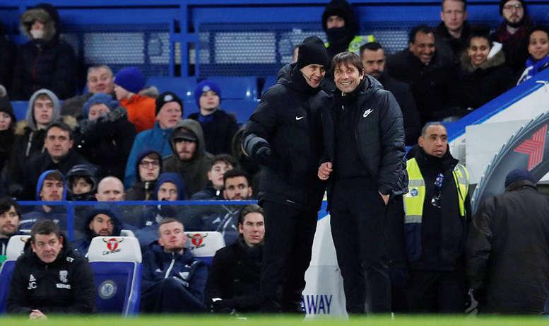 Conte cười tươi với chiến thắng của đội nhà
