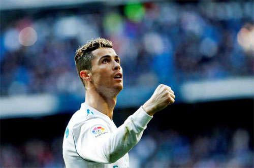 Ronaldo là một người giàu khát khao những cũng luôn sống tình cảm