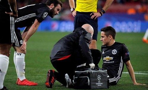 Herrera tái phát chấn thương trong tình huống không tranh chấp với ai.