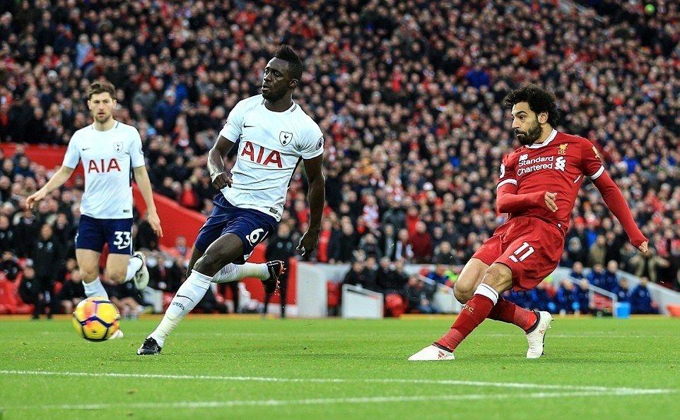 Salah mở tỷ số.