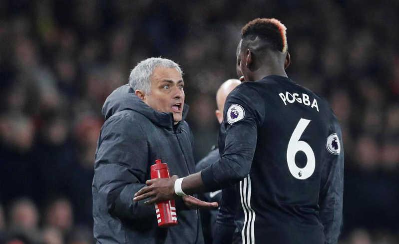 Tiết lộ lý do sốc Mourinho ném Pogba lên ghế dự bị