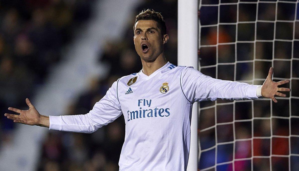 Real Madrid chiều lòng Ronaldo bằng lương mới