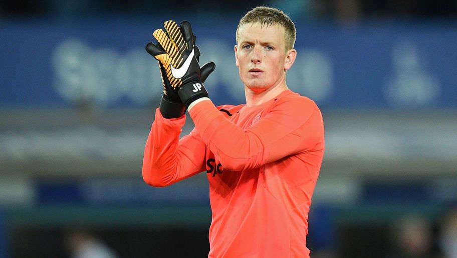Everton hét giá Pickford 50 triệu bảng