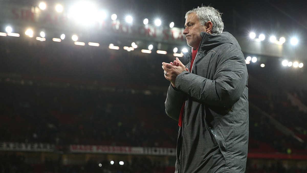 """MU hãy sa thải Mourinho, Conte cùng Hazard """"đào tẩu"""" sang Real"""
