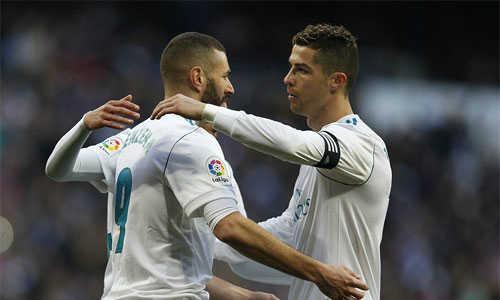 Ronaldo nhường pen cho Benzema, bỏ qua cơ hội lập hat-trick