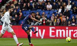 PSG thắng năm sao khi trở lại với Ligue I