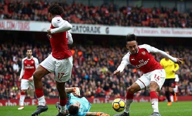Song sát Aubameyang - Mkhitaryan thay nhau tỏa sáng, Arsenal dễ dàng vùi dập Watford