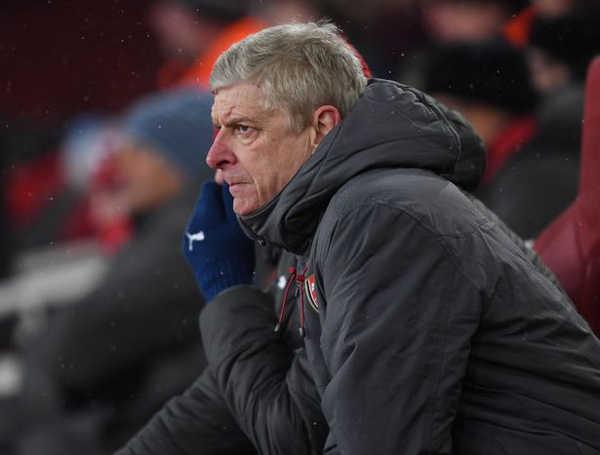 Brighton - Arsenal: Ác mộng vẫn tiếp diễn với Wenger
