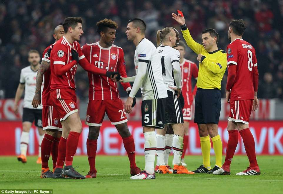 Besiktas gặp muôn vàn khó khăn trước trận lượt về gặp Munich