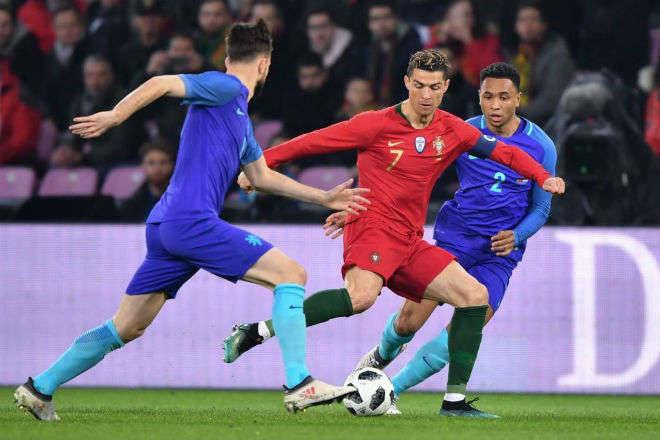 Ronaldo không thể giúp Bồ Đào Nha tránh khỏi thất bại