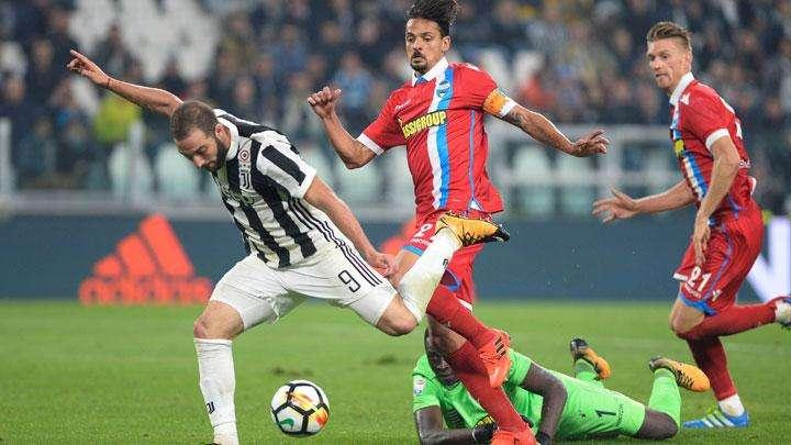 Hàng phòng ngự yếu kém của Spal sẽ phải đối đầu với hàng công mạnh nhất Serie A