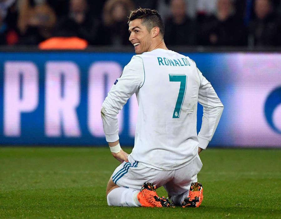 Ronaldo lập công nhưng cũng để lại hình ảnh xấu xí