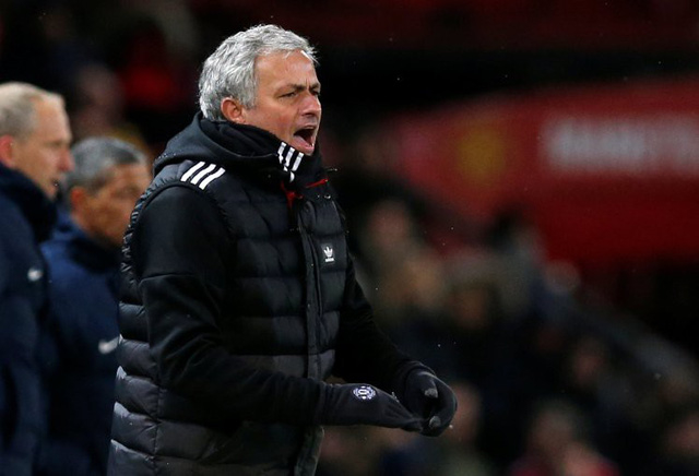 HLV Mourinho cho rằng MU đang ở trong thời kỳ chuyển giao