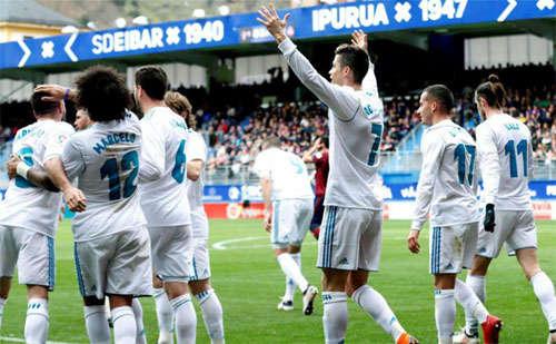 Ronaldo lấy lại phong độ và giúp Real thăng hoa