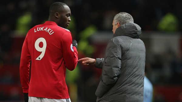 """HLV Mourinho: """"MU sẽ không mua tiền đạo thế chỗ Ibrahimovic"""""""