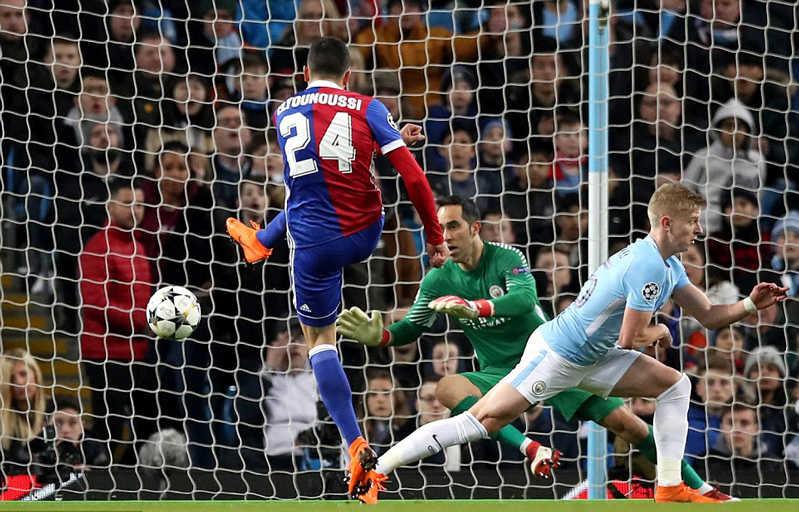 Thua Basel trên sân nhà, Man City vẫn đoạt vé tứ kết