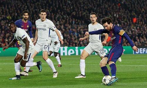 Messi rực sáng đưa Barca vào Tứ kết Champions League