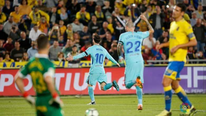 Messi lập siêu phẩm, Barca vẫn phải chia điểm với Las Palmas