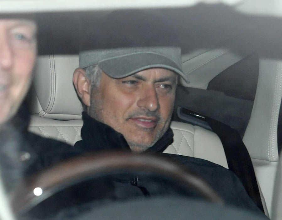 Tin MU 16/3: Mourinho bắt đầu lo lắng, đòi 300 triệu bảng