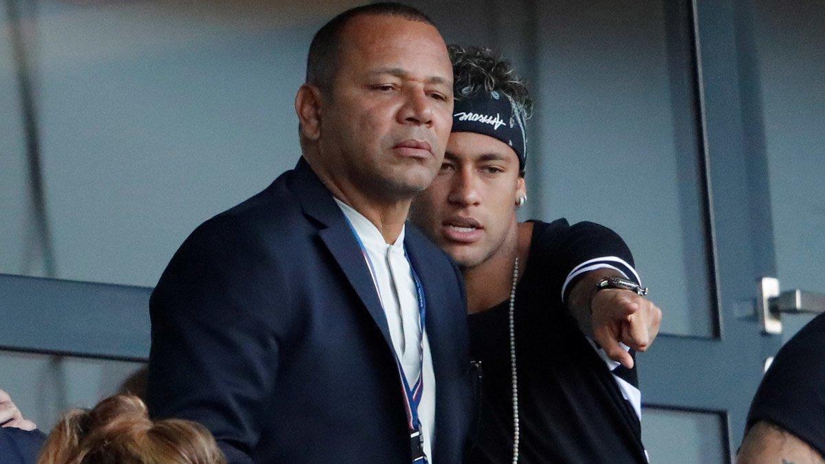 Neymar và cha đưa ra nhiều yêu sách về tài chính với MU