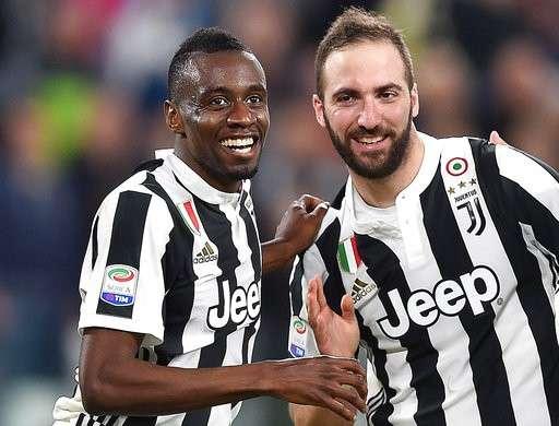 Higuain là người hùng của Juventus khi đóng góp 1 bàn thắng, 1 đường kiến tạo